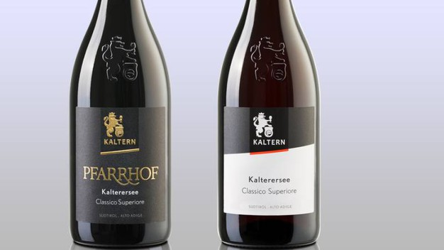 Due bottiglie di Kalterersee Doc – Foto: kellereikaltern.com