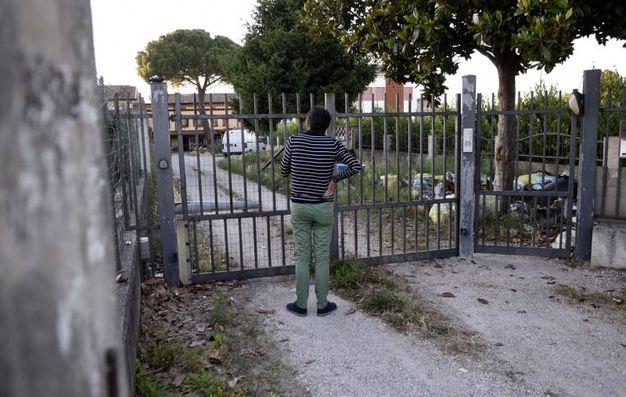 Ferrara, neonato trovato morto in freezer, il luogo della tragedia a Migliarino (Foto Businesspress)