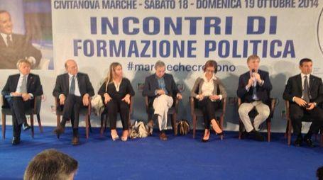Civitanova Marche (Macerata), Berlusconi telefona alla convention di Forza Italia