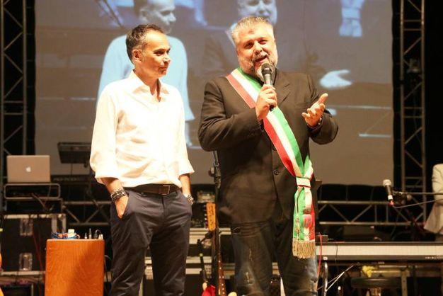 Gatteo Mare, Notte del liscio. Il sindaco Gianluca Vincenzi con l'assessore regionale al turismo Andrea Corsini (foto Ravaglia)