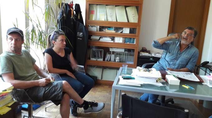 Emanuele e Francesca Verri con l'avvocato Fabio Anselmo