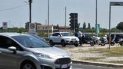 Sulle strade di Imola, dove è stato dirottato il traffico in seguito alla chiusura dell'autostrada, si sono formate lunghe code