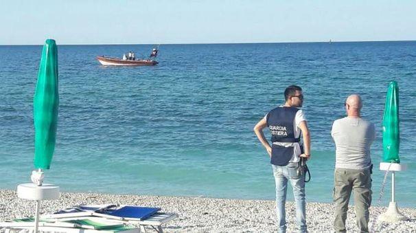 Ancona, recuperata la mina trovata davanti alla spiaggia di Portonovo
