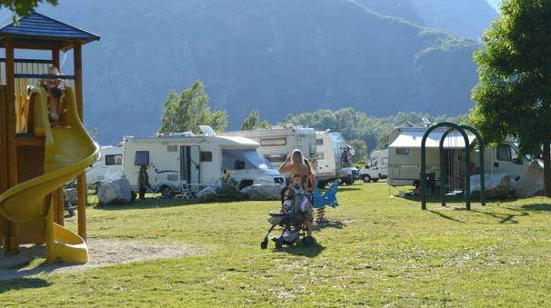 I camper parcheggiati (Carena)