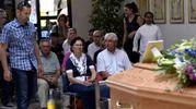 I funerali di Mirko Barioni, ucciso a coltellate dalla compagna, nella casa in cui abitavano insieme ad Ambrogio di Copparo (foto Businesspress)