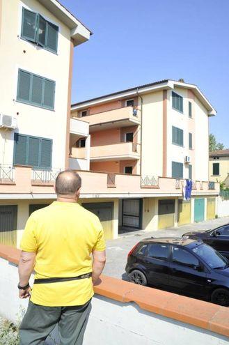 Il palazzo in cui si trova l'appartamento con i due serpenti (Foto Alcide)