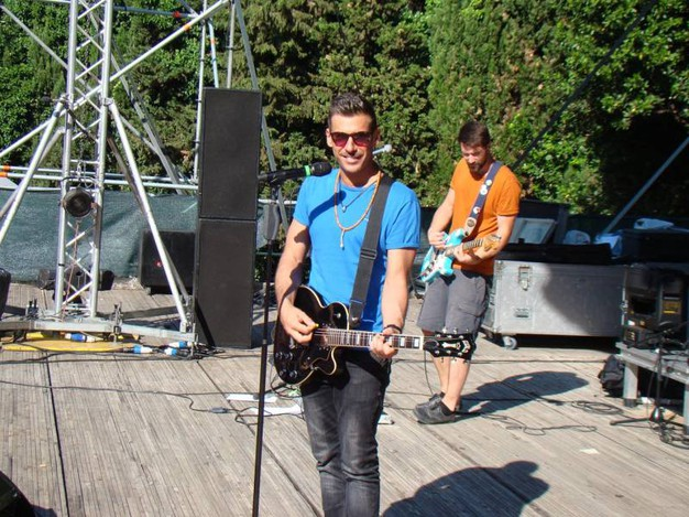 Francesco Gabbani durante le prove della data zero del tour a Villa Vitali