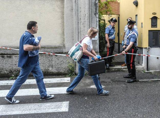 Indagano i carabinieri (Newpress)