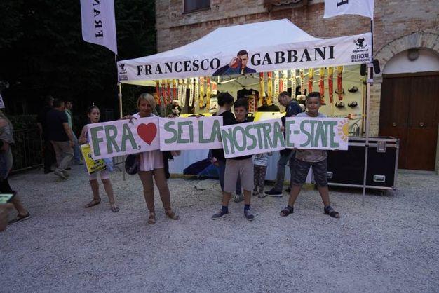 Tutti i fan di Gabbani (Foto Zeppilli)