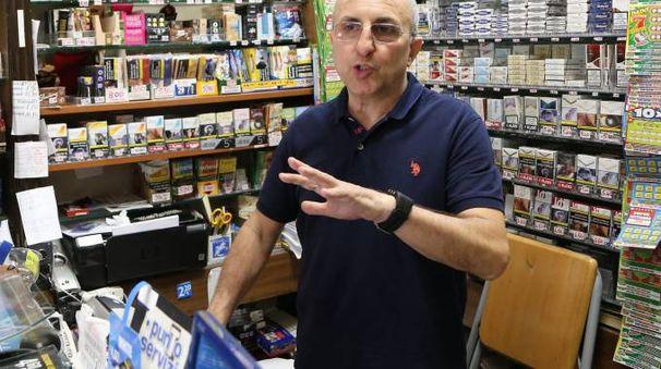 Maurizio Marchei, tabaccaio di via Maestà delle Volte
