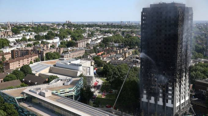 Incendio a Londra, la Grenfell Tower
