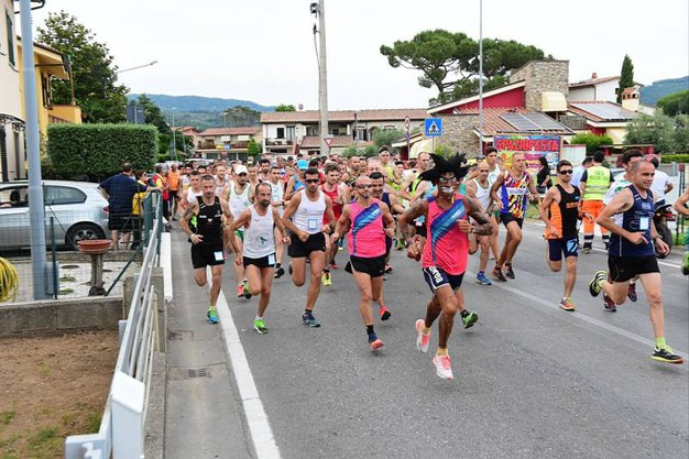 La StraSpaziofesta di Pieve a Nievole (foto Regalami un sorriso onlus)