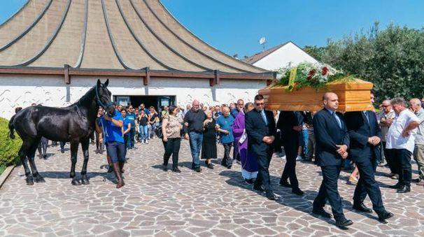 Il funerale di Roberto Amici (Foto Zeppilli)