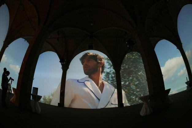 La sfilata virtuale di Loretta Caponi (foto Marco Mori/New Pressphoto)