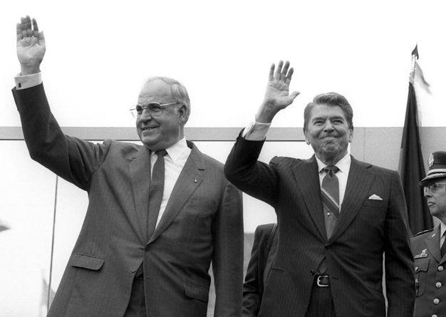 Kohl e Reagan (Ansa)