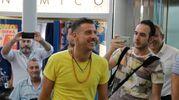 L'arrivo di Gabbani sulle note di Occidentali's Karma