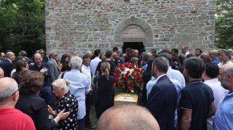 Urbino, folla ai funerali del figlio dello stilista Piero Guidi (Fotoprint)