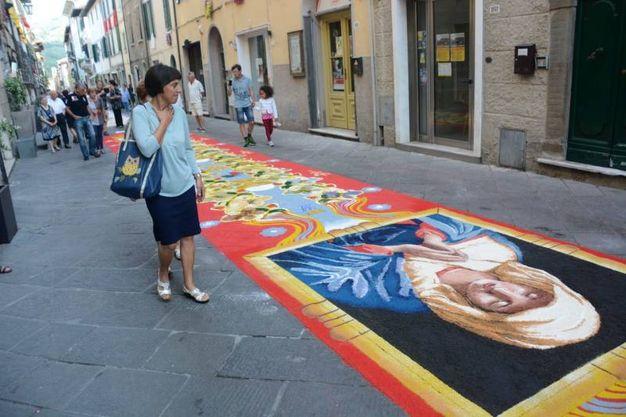 Camaiore, i tappeti di segatura: Palinsesto (foto Aldo Umicini)