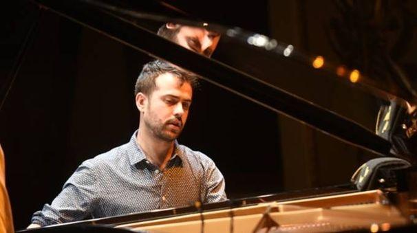 Il pianista jazz folignate Giovanni Guidi