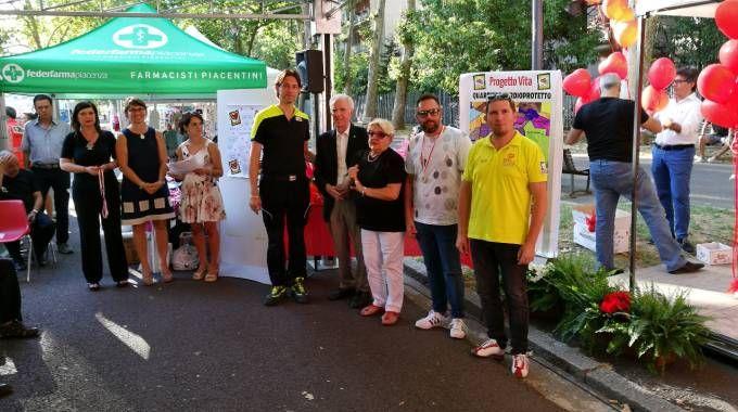 Un momento della premiazione del volontario a Piacenza