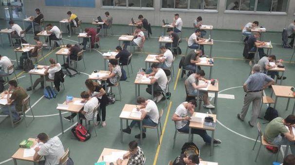 Maturità: studenti impegnati negli esami di Stato (Radaelli)