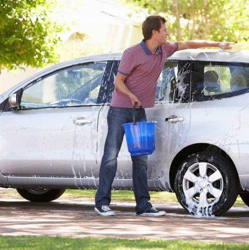 10 - Il lavaggio dell'auto
