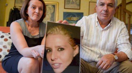 I genitori di Teresa Costanza, uccisa con il fidanzato, aspettano dal processo in  Corte d'Assise la verità sull'omicidio