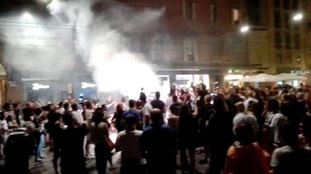 La festa in piazza de popolo delle V nere