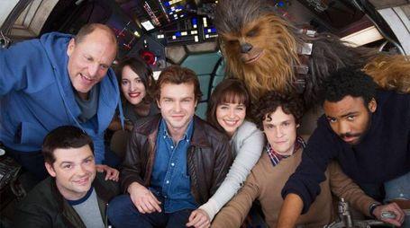 Il cast del film su Han Solo – Foto: Lucasfilm/Disney