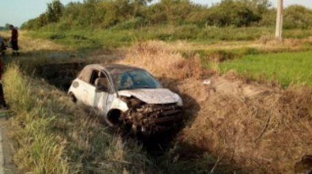 L'auto finita nel fosso