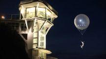 Ancona, ecco il nuovo ascensore del Passetto tra giochi di luce e una ballerina in volo