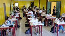 Maturità 2017, gli studenti impegnati nella seconda prova (Ansa)