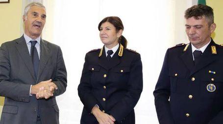 Il questore Salvatore La Porta (a sinistra) col vicequestore aggiunto Mara Ferasin, che dirige il commissariato di Montecatini Foto Goiorani