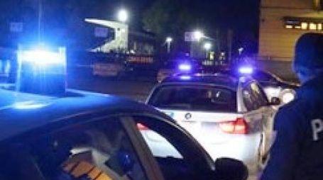 Quattro poliziotti sono dovuti ricorrere alle mure dei medici