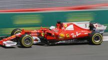 F1, Sebastian Vettel sulla Ferrari nelle prove del Gp di Baku (Ansa)