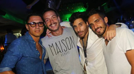 Gianluca Lapadula con alcuni amici al Pineta