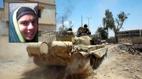 La battaglia contro l'Isis a Mosul e, nel riquadro, l'italiana Lara Bombonati