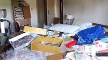 La casa di via Casalecchio dopo il passaggio dei ladri (foto Migliorini)