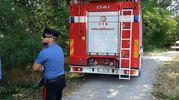 La donna ha sparato prima contro i vigili del fuoco e poi ai carabinieri con una scacciacani