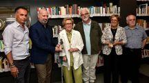 Da sinistra Andrea Corsini, Stefano Bonaccini, Giuliana Saragoni, Patrizio Roversi, Liviana Zanetti e Mauro Grandini (foto Fantini)