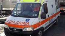 L'uomo è stato soccorso dalla croce gialla (foto d'archivio)