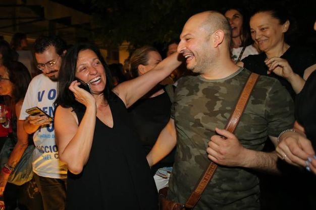 I complimenti dei sostenitori al nuovo sindaco di Riccione  (foto Petrangeli)