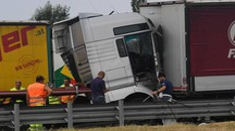 Incidente in A14 all'altezza di Bologna Fiera (foto Schicchi)