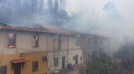 Iglesias, case evacuate per maxi incendio (Ansa)