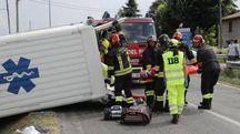 I soccorsi sul luogo dell'incidente tra le vie Correcchio e Nuova a Sasso Morelli