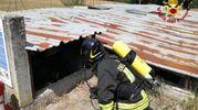 I vigili del fuoco sul luogo della fuga di gas