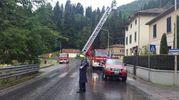 I vigili del fuoco in Valbienzio (foto della pagina Fb Cantagallo per noi)
