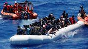 Salvataggio di migranti nelle acque del Mediterraneo (Lapresse)