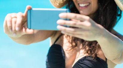 Selfie, web influencer (foto iStock)