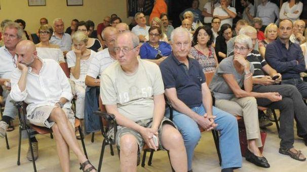 L'aula consiliare era gremita di pubblico vista l'importanza dell'argomento